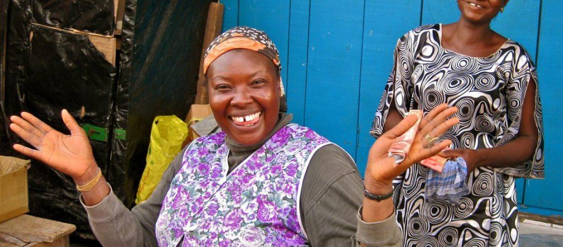 market-woman-in-kumasi-ashanti-region-ghana_t20_AozQY6