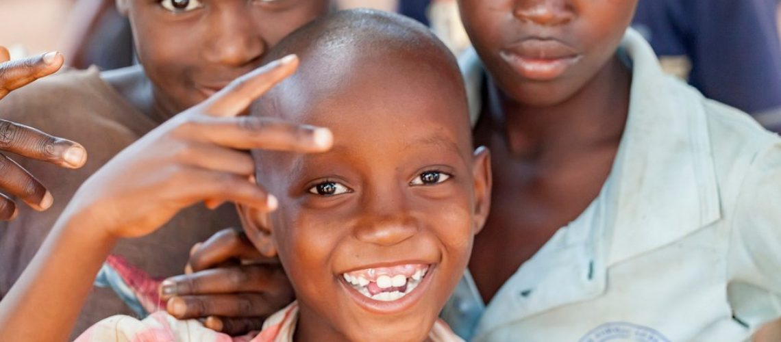 nampula-mozambique-october-11-2014-cheerful-and-happy-children-from-northern-mozambique_t20_noQQp7